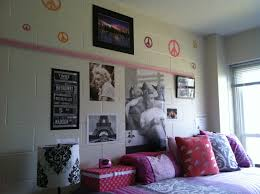 Marilyn Monroe Style Bedroom.Hollywood Empty Pill Bottles Found In ...