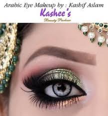 glamorous arabic eye makeup in green nd peach by kashif aslam kashees beauty parlor