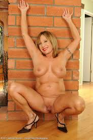 Mature Milf Pictures Featuring 60 Year Old Luna From Allover30