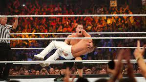 John Cena gegen Roman Reigns: Der WWE ...