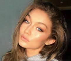 this is the makeup artist behind your fave victoria s secret angels and we re obsessed with his ig