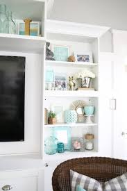 to decorate a bookshelf in living room