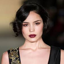 the great gatsby inspired hair and makeup look at marchesa at nyfw stylecaster