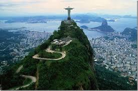 Статуя Христа Искупителя символ Бразилии В 1921 году близящаяся столетняя годовщина национальной независимости Бразилии 1922 г вдохновила отцов города Рио де Жанейро тогда являлся столицей
