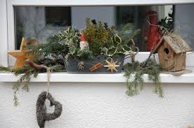 Fensterbank Mit Weihnachtsdeko Bilder Und Fotos Deko