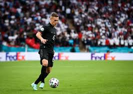 Joshua walter kimmich (german pronunciation: Joshua Kimmich Verdoppelt Beim Fc Bayern Angeblich Sein Jahresgehalt Web De