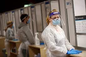 60 من سكان بريطانيا تلقوا اللقاح.. وسلالة الهند تنتشر بسرعة