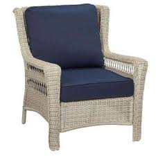 park meadows off white stationary wicker outdoor lounge chair with midnight cushion
