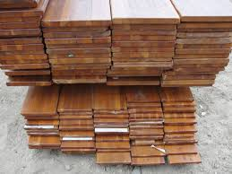 Reclaimed Wood Projects Understanding Reclaimed Wood How The Salvaging Process Works