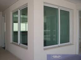 Feito em vidro na cor verde com linda estampa. Foto Janela De Correr Branca Com Vidro Verde De Star Portas E Portoes 1165579 Habitissimo