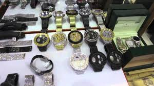 king of the ghetto z ro visits tv johnny s to cop new fully loaded diamond watch you