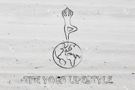 ヨガと瞑想の生活 木のポーズ地球の上でイラスト ヨギ