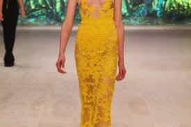 natural makeup perfectly plements a bold and bright yellow dress