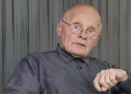 El poeta Manuel Álvarez Torneiro ha sido reconocido con el Premio Nacional de Poesía 2013 por la obra «Os ángulos da brasa» (Kalandraka). - Manuel_Alvarez_Torneiro--644x462