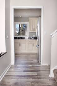 what color wood floor with gray walls