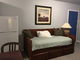 Twilight Motel: Apartment Living Room With Trundle Bed Oversized