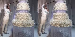 Gucci Mane Cut 75000 Wedding Cake With A Sword Hypebeast