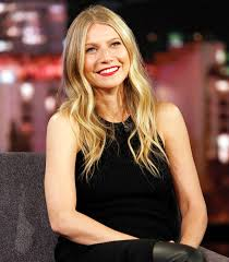 Gwyneth Paltrow Engagement Ring Designer Gwyneth Paltrows Rings Stack Pinky Signet Styles To Try
