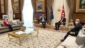 SofaGate: Von der Leyen muss bei Erdogan im Abseits sitzen