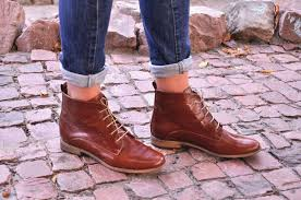 burton womens fall boots lace up leather boots brogue image
