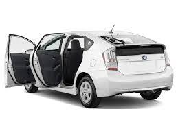 2010 Toyota Prius - Toyota Hybrid Hatchback Review - Automobile ...