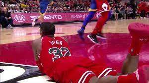 Kris Dunn Nasty Injury, Falls on Face ...