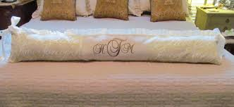 but if you can sew a straight stitch you too could make a custom crib bed set