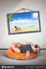 Lustige Baby Auf Schwimmen Kreisen Hause Wie Strand Urlaub Konzept