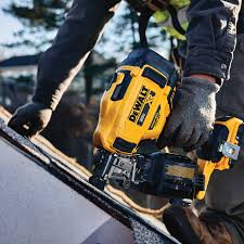 15 cordless coil roofing nailer