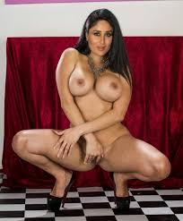XXX Kareena Kapoor Nude Photos Nangi Chut Porn Pics Naked Images