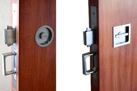 pocket door handle with lock