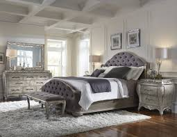 Pulaski Bedroom Furniture Pulaski Rhianna Upholstered Bedroom Set In Silver Patina