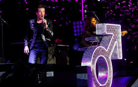 The Killers Mr Brightside Marks 200th Week In The Uk Top