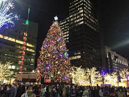 Campus Martius Christmas Tree Lighting 2017 Roast Detroit Campus Martius Tree Lighting Life In Leggings