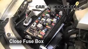 replace a fuse chevrolet camaro chevrolet camaro 6 replace cover secure the cover and test component
