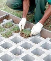 A pavimentação com pisograma ou concregrama de concreto tem como característica principal a simplicidade de instalação. Pisograma E Pisadeiras De Concreto Realfa