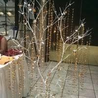 hale koa banyan tree showroom waikiki