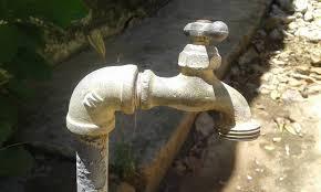 """Ni turbia ni limpia"""", en Maracaibo siguen sin ver el agua potable por las  tuberías de la ciudad - AlbertoNews - Periodismo sin censura"""