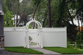 Brilliant Vinyl Privacy Fence Ideas Exoticarborgatewhitevinylfencedesignideas Throughout Design