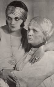 File:Pola Negri with mother.jpg - Wikimedia Commons
