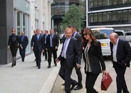 Актуально Кто первый умер тот и проиграл  Борис Березовский и Роман Абрамович идут в суд чтобы решить спор о 5 5 миллиарда