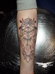 татуировка на предплечье у девушки лев и роза фото рисунки эскизы