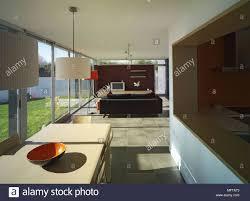 Moderne Offene Kücheesszimmer Und Wohnzimmer Mit Fenstern
