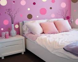 A Pink Polka Dot Wallpaper And White Bed For Teen Girl Interior Design Ideas  Small Bedrooms