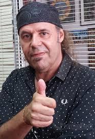 """Javier Vargas (Vargas Blues Band). Foto: Justo Fernández ¿Te costó tocar tan rápido en """"Sin City""""? - int63"""
