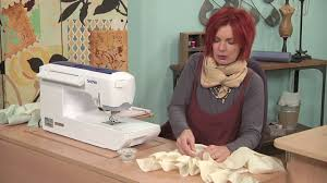 Tina Givens Designs Tina Givens Makes Trendy Retro Pants Inspired By Yesterday S Bloomers On It S Sew Easy 803 2