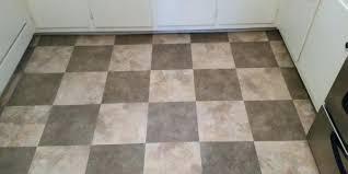 how to remove vinyl tile flooring