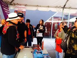 rene colato lainez gladys elizabeth victor villaseatildeplusmnor getting to sign his books