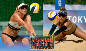US women's beach volleyball team wears ...