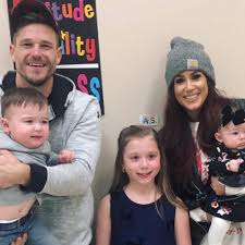 Chelsea houska was introduced to the world on teen mom 2, when she had her first daughter aubree. Teen Mom S Chelsea Houska Gets Candid About Her Family Of 5 E Online